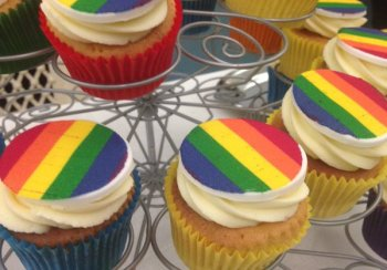 Rainbow cupcakes from LGBTHM 2016
