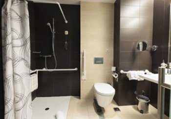 Level Access Shower in Bathroom